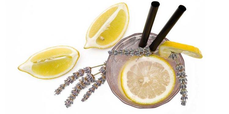 Lavendelöl Limonade hat viel positive Wirkung und gesunde Eigenschaften
